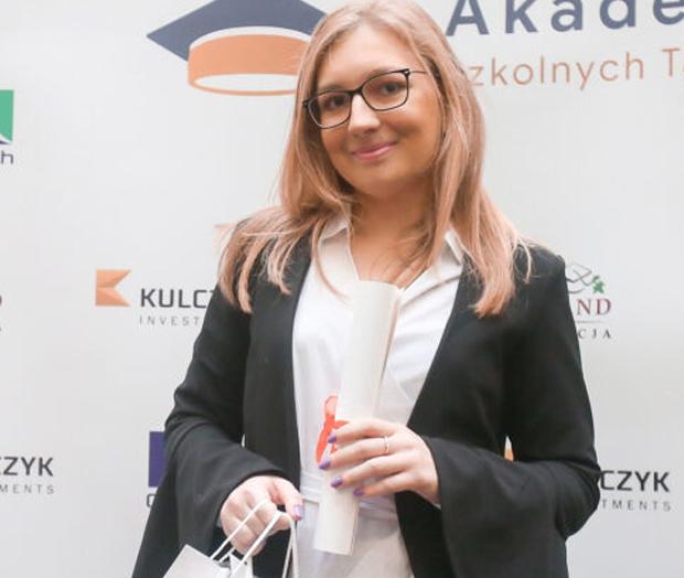 Absolwentka Akademii Szkolnych Talentów z własnym videoblogiem!